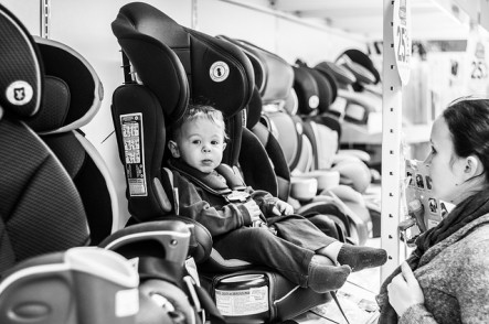Keep children safe in their car seats this winter